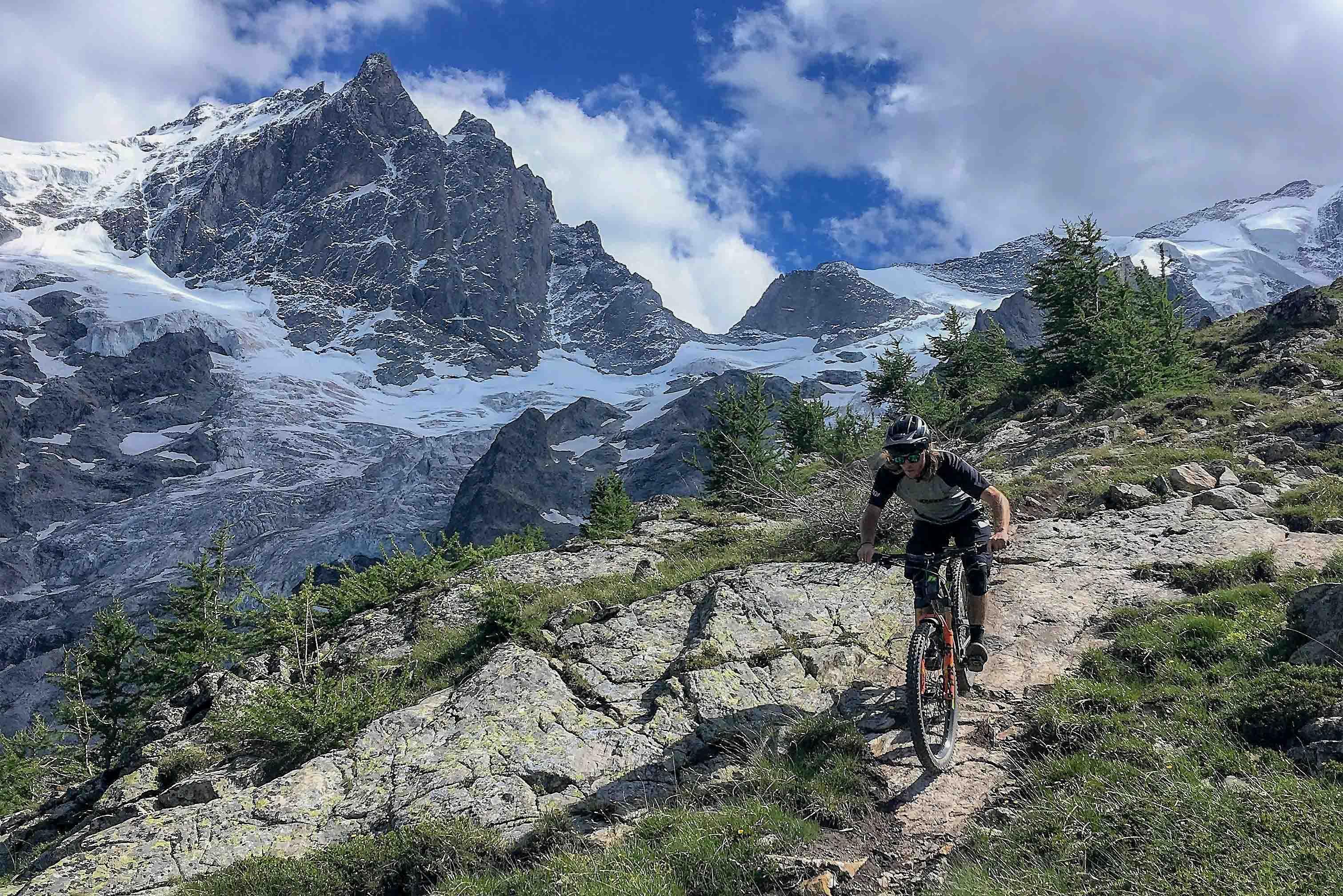 Bike La Grave, enduro downhill on the Telepherique de la Meije